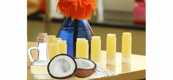 cách làm son dưỡng môi có màu từ dầu dừa