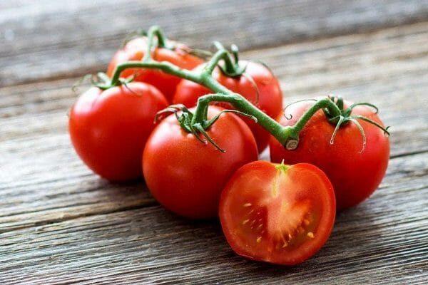 cách làm son môi bằng cà chua đơn giản