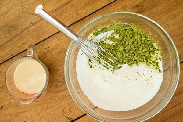 đắp mặt nạ cám gạo với sữa tươi