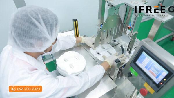 quy trình sản xuất mặt nạ tại nhà máy ifree beauty - 4
