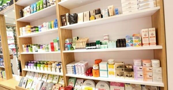 thủ tục nhập khẩu nguyên liệu sản xuất mỹ phẩm