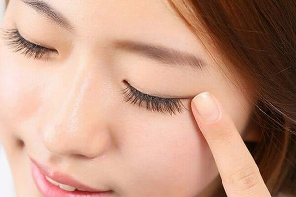 gia công kem dưỡng mắt