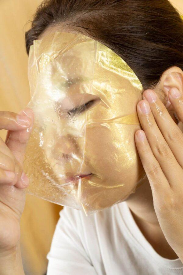 cách đắp mặt nạ pha lê vàng 24k gold