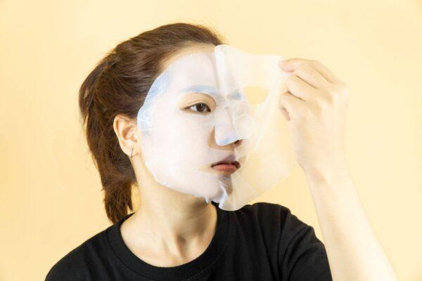 tách lớp film trên mặt nạ dừa biocellulose mask