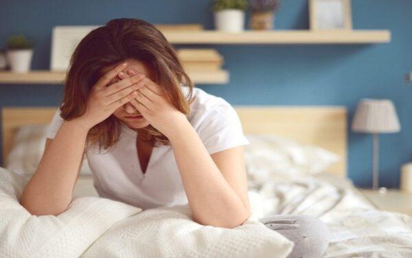rối loạn nội tiết tố ảnh hưởng tới tóc